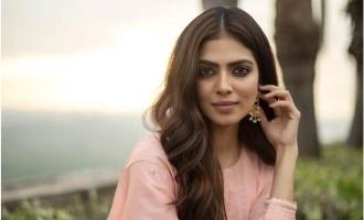 Actress Malavika Mohanan Small Age Photo viral