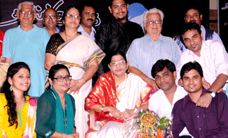 'Melody Queen' P.Susheela and A.R.Raihanah at Raindropss Mother's Day Celebrations