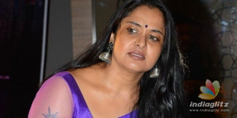Actress Pragathi reveals that famous senior comedian misbehaved with her