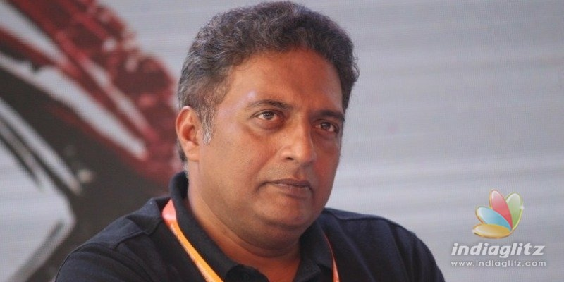 Did Prakash Raj speak against Tamil Students in Delhi?