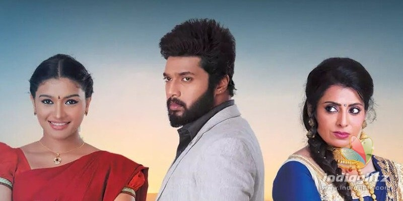 Serial Actresses lodge complaint against Sembaruthi director