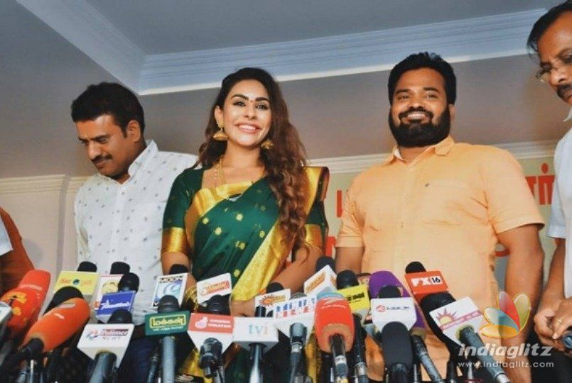 Sri Reddy exposes sexual harassment of Chennai working girl