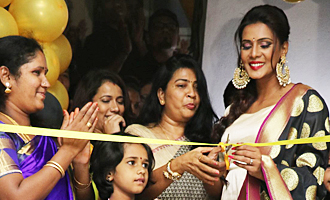 Meera Mitun Launches Ace Salon & Spa
