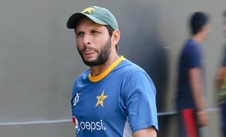 Pakistan cricketer Shahid Afridi tests positive for Coronavirus!