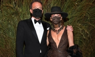 Batman actor Ben Affleck and Jennifer Lopez kiss with masks on at Met Gala 2021; Picture goes viral