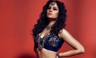 Bindu Madhavi's latest glam pics fires up the internet