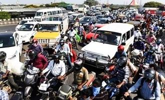 பாடி பாலத்தில் கடுமையான டிராபிக்: திருந்தாத சென்னை மக்கள்