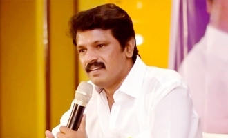 Director Cheran gets surprise from 100 fans!
