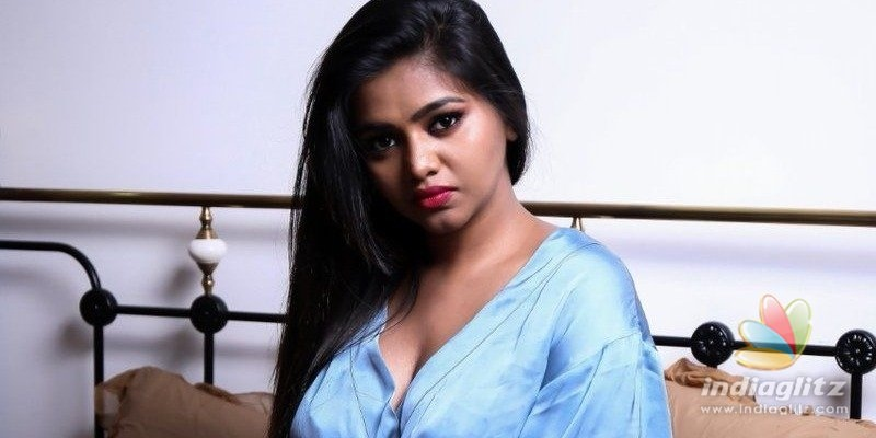 Tamil actress releases hot bedroom photos