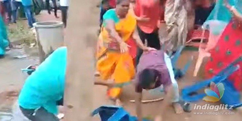 போதை விருந்தினர்களால் ரணகளமான திருமண நிகழ்ச்சி: வைரல் வீடியோ