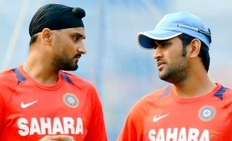 MS Dhoni was a shy guy, reveals Harbhajan Singh!