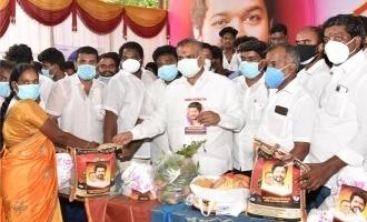 Vijay fans celebrates his birthday in a special way : Donates corona relief