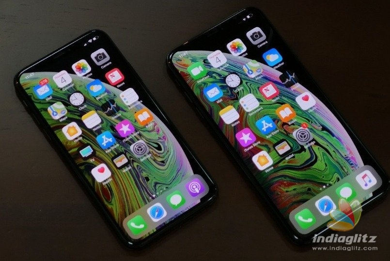 Students cheat Apple with fake IPhones