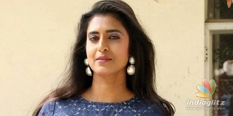 Kasthuri demands Hyderabad cops to be transferred to Pollachi and Unnao