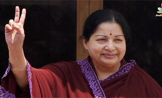 Jayalalitha and Karunanidhi's Comment on Jayalalithaa's Wealth Case Judgement