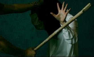 ஜீன்ஸ் அணிவது ஒரு குற்றமா? 17வயது சிறுமியை அடித்தே கொன்ற கொடூரத் தாத்தா!