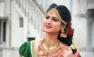 Is the celebrity newsreader Kanmani all set to get married? Traditional photos going viral