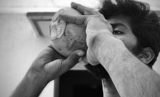 வேப்பமர நிழல், கிணத்து குளியல், மண்வெட்டி வேலை, தாயம்: பிரபல நடிகரின் ஒருநாள் பொழுது
