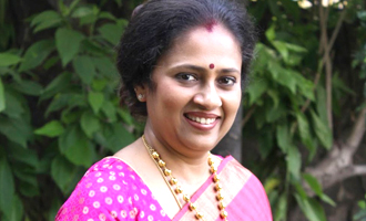 பிரபல டிவிக்கு வக்கீல் நோட்டீஸ் அனுப்பிய லட்சுமி ராமகிருஷ்ணன்