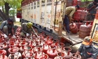 LPG கேஸ் சிலிண்டர் விலையில் ரூ. 65 வரை குறைப்பு!!!