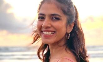 பீச், பிங்க் கலர், சன் செட்: 'மாஸ்டர்' நாயகியின் லேட்டஸ்ட் இன்ஸ்டாகிராம் போஸ்ட்!