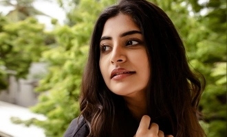 Manjima Mohan's cute birthday wishes to her father wins hearts!