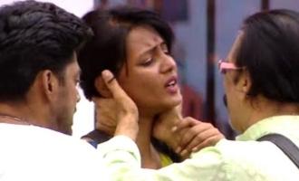 Mohan Vaidya kisses Meera Mithun - Netizens troll heavily