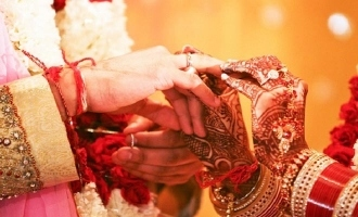 'கோப்ரா' பட நடிகைக்கு நிச்சயதார்த்தம்: லாக்டவுன் முடிந்தவுடன் திருமணம்