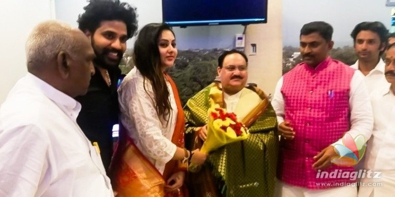 Namitha quits ADMK and joins BJP