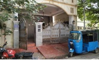 சென்னையில் கொரோனா தனிமையில் இருந்தவரின் வீட்டில் 250 சரவன் தங்கம் கொள்ளை!!!