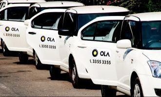 Ola cab driver threatened at knifepoint by customers