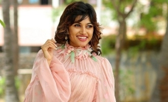 Oviya's philosophical message to fans on birthday