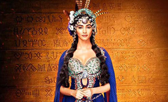 First look of Pooja Hegde from 'Mohenjo Daro' it out! She is a complete Goddess