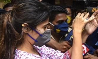 Rhea Chakraborty files an FIR against Sushant's sister!