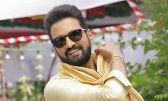 சந்தானம் கொடுத்த லவ் லெட்டர்: 'மாஸ்டர்' நடிகை வெளியிட்ட புகைப்படம் வைரல்!