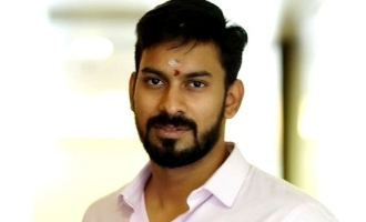 Irandam Kuthu director know the difference between glamour and vulgur