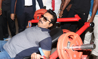 Sarathkumar Launches 'Flux Fitness & Spa Saloon'