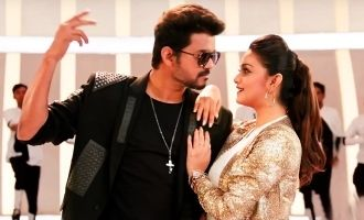 Thalapathy Vijay's charming romance mode in new 'Sarkar' video