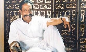 Nadigar Thilagam Sivaji Ganesan in stylish jeans and t-shirt - Rare unseen photos rock the internet