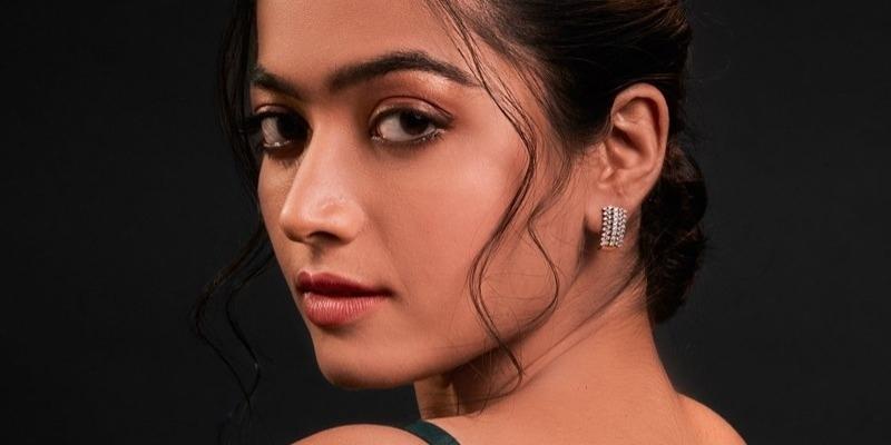 Was Rashmika Mandanna kissed by fan in public? - Tamil News - IndiaGlitz.com
