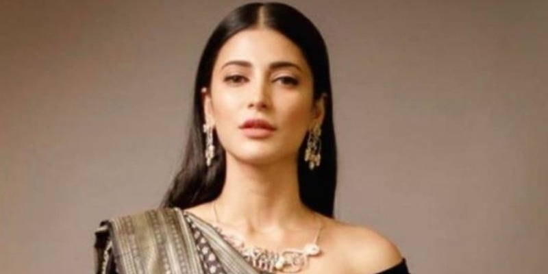 Shruti Haasan switches roles for Vijay Sethupathi's next - Tamil News - IndiaGlitz.com