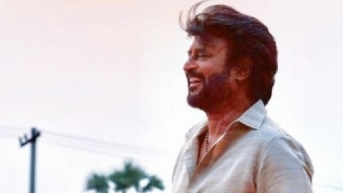 Superstar Rajinikanth's mass photo from shooting spot officially released - Tamil News - IndiaGlitz.com