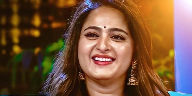 Actress Anushka Shetty with brother photos viral in internet – தமிழ் News