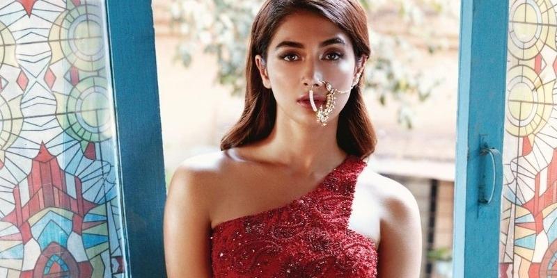 Actress pooja hegde Off to Chennai today evening for Beast shooting – தமிழ் News