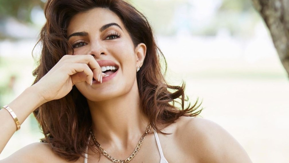 Jacqueline's hot photoshoot with nothing but a towel! – Tamil News