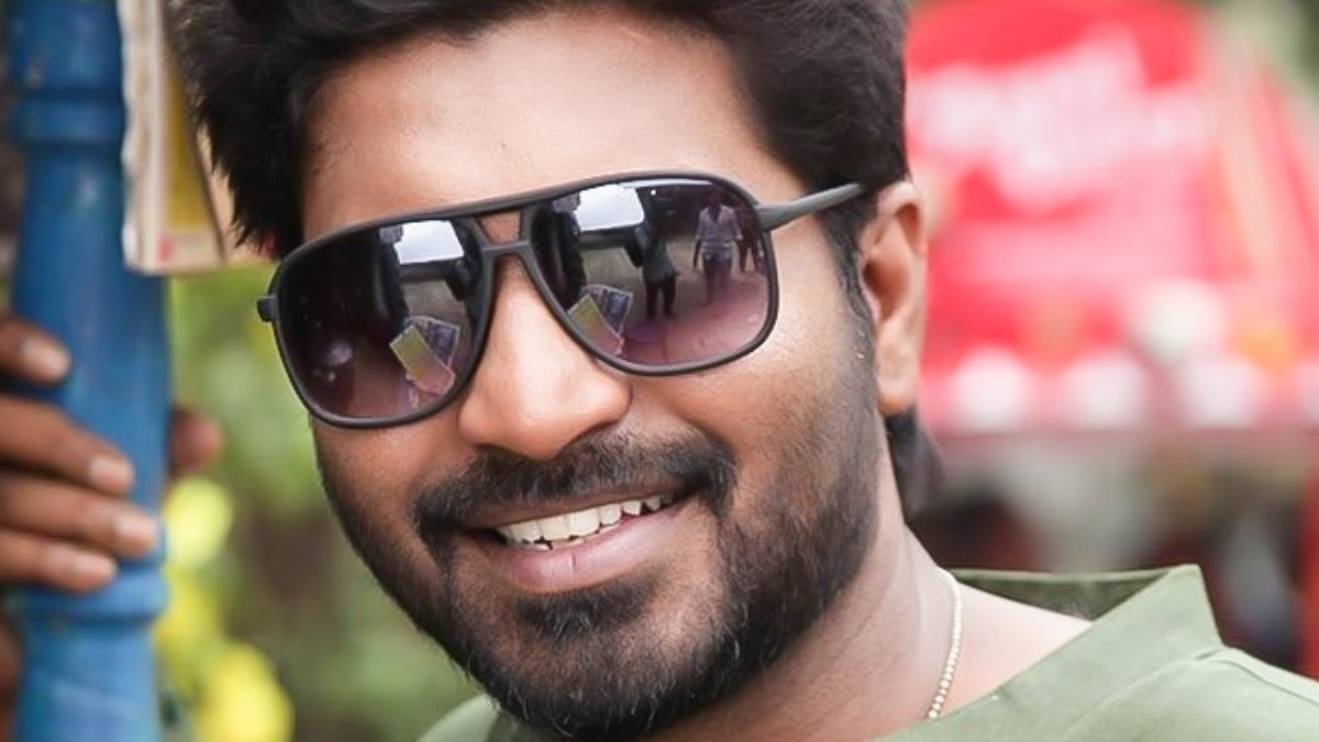 Check Makapa's latest photo with his wife – Tamil News