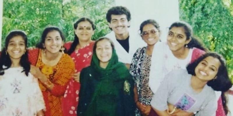 Metti oli Actress Gayathri throwback photo with Ajith goes viral – தமிழ் News