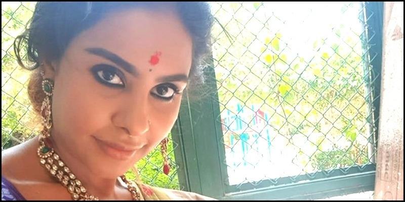 Sri Reddy releases a video for Santhanam - Tamil News - IndiaGlitz.com
