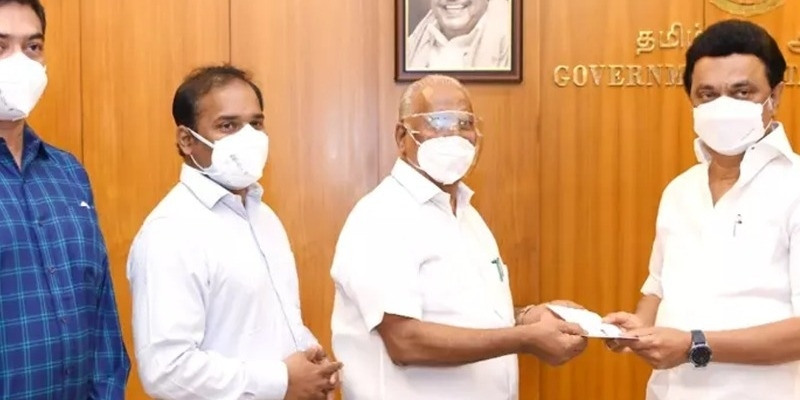 Producer Gokulam Gopalan donates Rs 1 crore to Chief Ministers Relief Fund – தமிழ் News