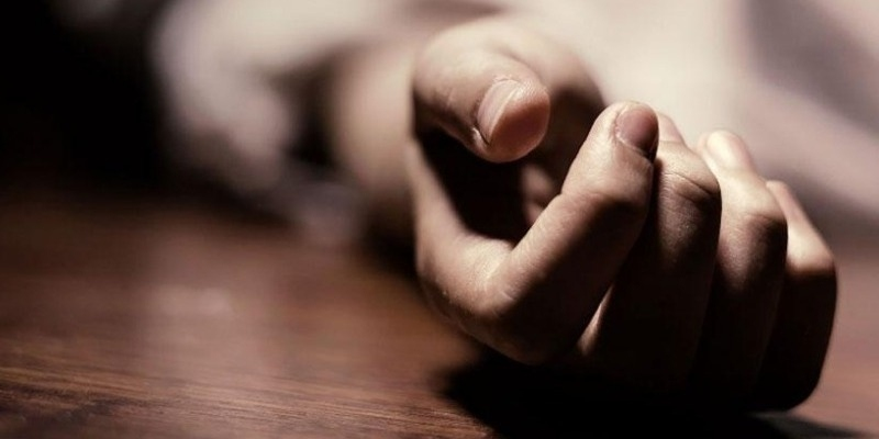 GST supervisor commits suicide by jumping from 30th floor of WTC